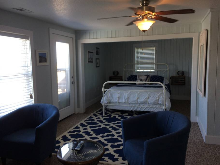 Master Bedroom / Wanchese Marina Rental Home