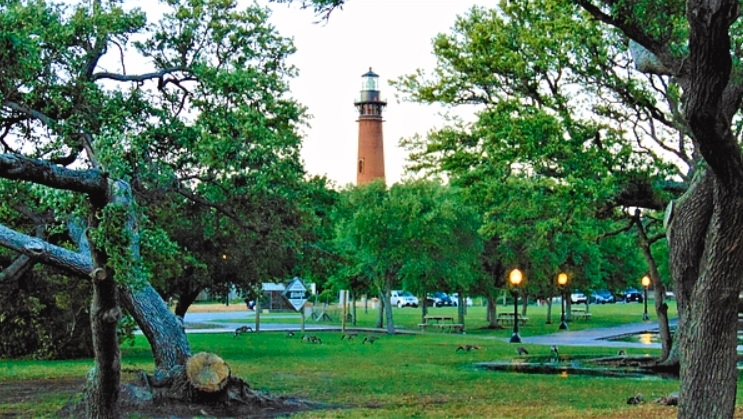 Corolla Lighthouse / Whalehead Club